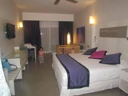 notre chambre notre chambre et le lit de bébé photo de hotel riu palace bavaro