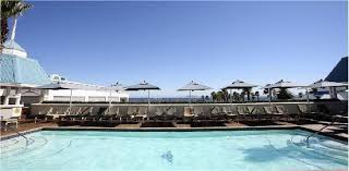 the table bay hotel located at the table bay hotel pool is a bar as well as a jacuzzi