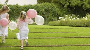 tarif baby sitting mariage comment trouver une baby sitter pour mariage l express styles