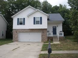 house for rent in 908 larkspur bloomington in