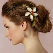 hair accessories wedding 12 gorgeous wedding hair accessories stylecaster