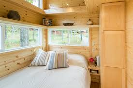 Home Depot Tiny House For Sale by Tiny House With Full Size Appliances Can Sleep 8 Curbed