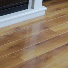 laminate floors shine