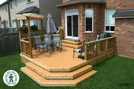 medium size single level deck with a pergola 1r7286 decks