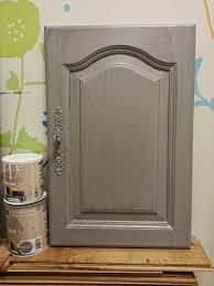 repeindre cuisine chene peinture sur meuble repeindre portes cuisine chêne massif vernis