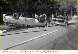 1958 pontiac chieftain and 1961 mercury comet wagon in an accident