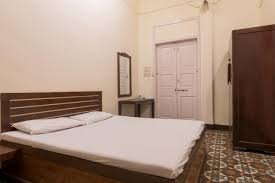 Bed Breakfast Table Online India Bed And Breakfast At Colaba Mumbai India Booking Com