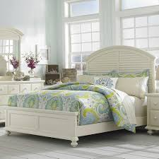 Hudson Bedroom Furniture by Seabrooke Queen Panel Bed With Arched Louvered Headboard By