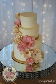 wedding cake gold wedding sugar flowers and gold sugar treat home baking on the