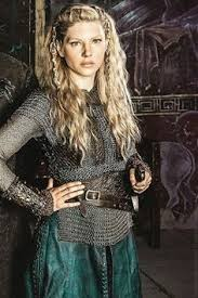 how to plait hair like lagertha lothbrok lagertha s hair never disappoints pinteres