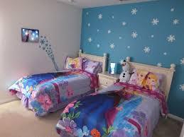 frozen bedroom accent wall kids rooms pinterest frozen