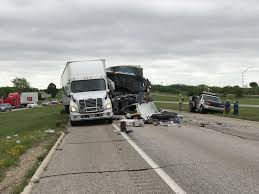 photo 2 semis collide on i 20 in ktxs
