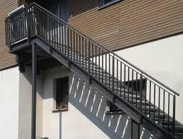treppen aus metall hochwertige treppen und geländer für innen und außen bau und