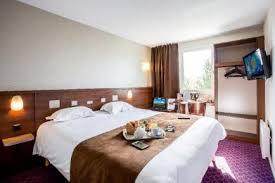 castel femme de chambre brit hôtel rennes le castel 260 r châteaugiron 35000 rennes