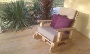 Table De Jardin En Palette De Bois by Rocking Chair En Palettes Youtube