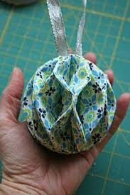 Quilted Christmas Ornaments To Make - best 25 fabric ornaments ideas on pinterest fabric christmas