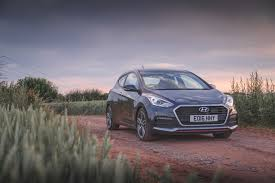 hyundai hatchback living with the hyundai i30 turbo a warm hatchback