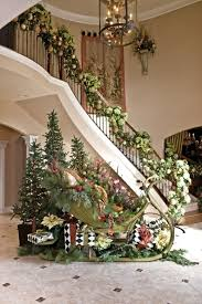 christmas staircase decorations to draw inspiration from