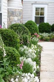 Front Landscaping Ideas 25 Trending Foundation Planting Ideas On Pinterest Flower Bed