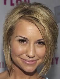 coupe pour cheveux pais coiffure femme visage rond cheveux épais blonds