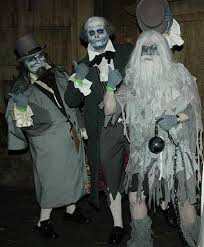 haunted mansion costume need help with my hitchhiking ghost costume