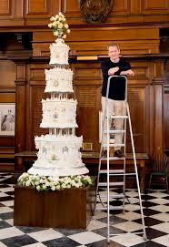 wedding cake quiz s 1947 wedding cake recreated for tv show and it s