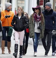 Faith Hill Meme - faith hill and tim mcgraw tour uk city with their three daughters