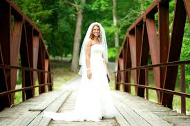 wedding dresses for outdoor weddings barn weddings ky the barn at cedar grove outdoor weddings