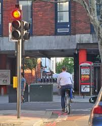 fine for running a red light no minister jeremy hunt cycles into more trouble as he risks 3 000