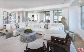 Kardashian Home Interior by See Inside Live Like A Kardashian In Kendall Jenner U0027s Westwood Condo