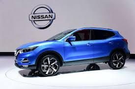 nissan qashqai yellow engine light facelifted 2018 nissan qashqai suv gets semi autonomous tech 50
