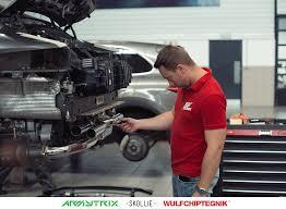 porsche technician porsche 911 carrera gts armytrix u2013 wulfchiptegnik