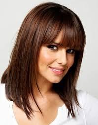 Frisuren Lange Wei゚e Haare by Sehr Elegante Braune Haare Weißer Hintergrund