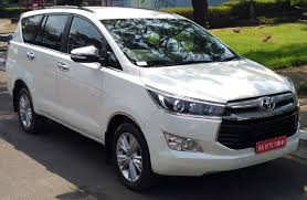 innova 2017 file toyota innova crysta 2 4 z front right jpg wikimedia commons