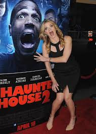 girl house 2 1280x1792px a haunted house 2 372 15 kb 172990