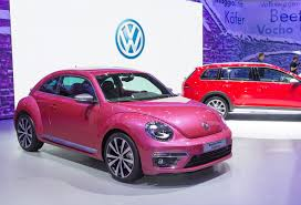 volkswagen beetle concept volkswagen beetle pink color edition concept revealed