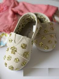 How To Decorate Shoes Ways To Decorate The Footwear With Glitter Stylishmods Com