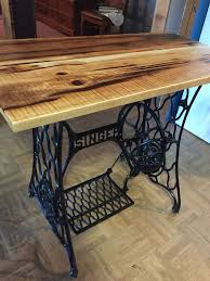 Singer Sewing Machine Cabinets by Best 25 Singer Table Ideas On Pinterest Vintage Sewing Table