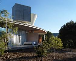 Sliding Glass Walls Solo House By Office Kgdvs A Simple Circular Roof With Large