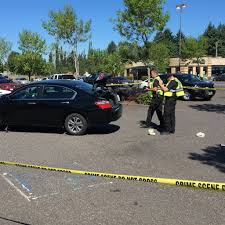 safeway thanksgiving hours 2014 three seriously injured after car accident in safeway parking lot