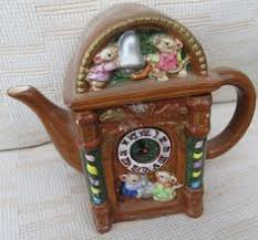 novelty teapot by rowe the woolpack emmerdale