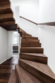 treppen dortmund helles treppenhaus mit holztreppe minimalistisch treppen