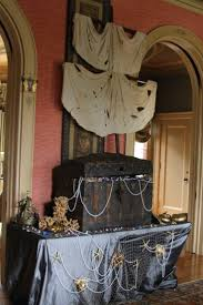 Halloween Party Room Decoration Ideas Best 25 Pirate Halloween Decorations Ideas On Pinterest Spooky