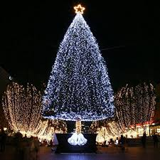String Christmas Tree Lights by Curtain Christmas Tree Lights Decorate The House With Beautiful