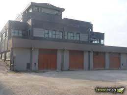 affitto capannoni capannoni in affitto a fabriano an trovacasa net