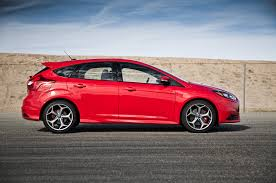 2014 ford focus st vs 2015 subaru wrx comparison motor trend