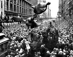 deck the s macys thanksgiving day parade
