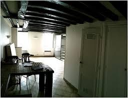 chambres de bonnes aménagement studio dans 2 chambres de bonnes
