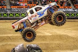 first bigfoot monster truck usa 1 returns to monster jam all about horse power