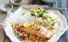 cuisine papillote papillote de saumon courgette et taboulé cuisine et recettes